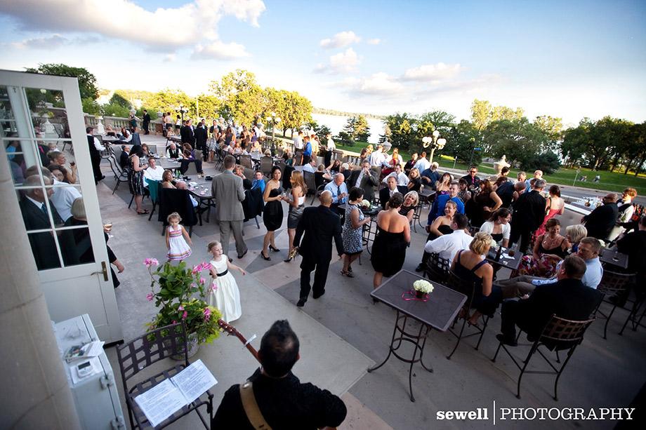 c16 1 - lake calhoun beach club wedding