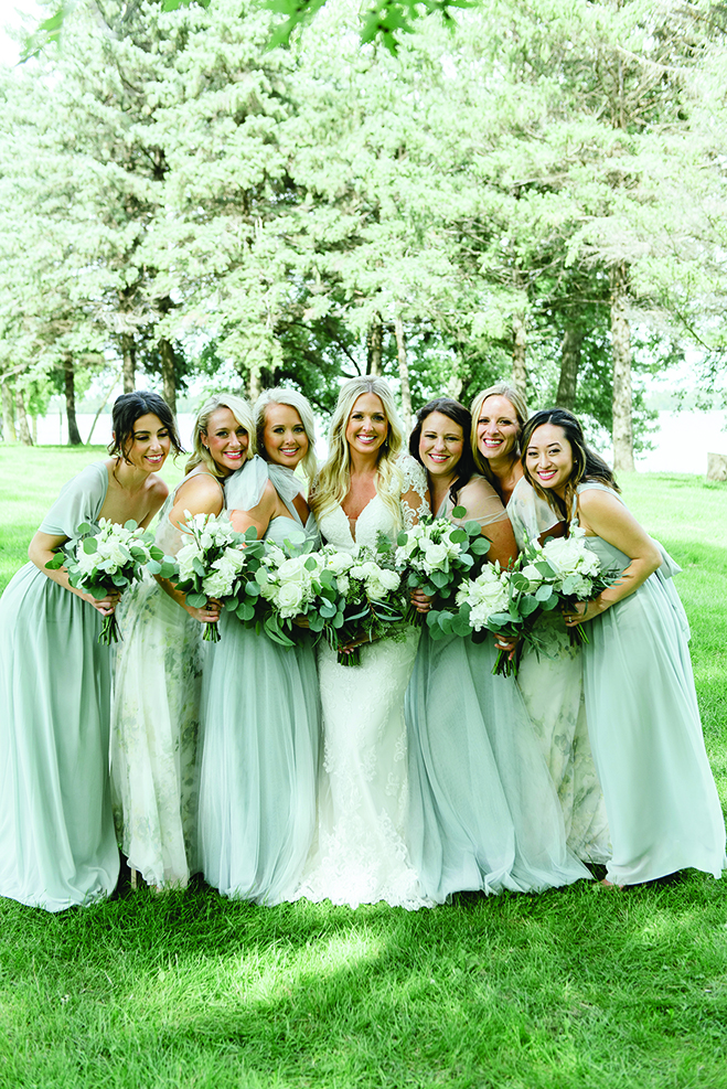 Chelsey and her bridesmaids at Round Lake Vineyards & Wineryt