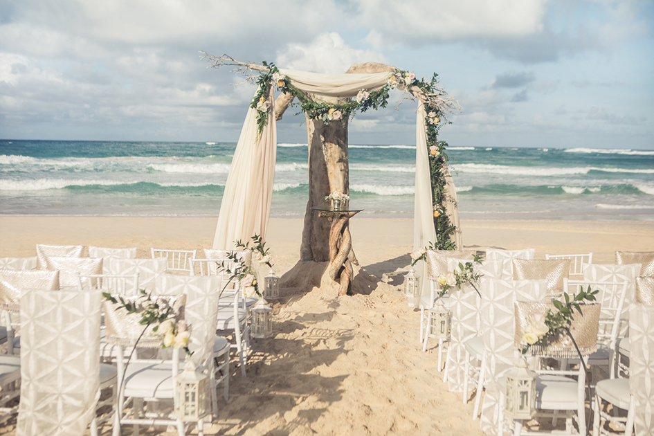 Photo by AIC Hotel Group, courtesy of Destination Weddings Travel Group