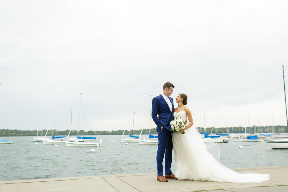 Minnesota Lakeside Wedding at The Minikahda Club