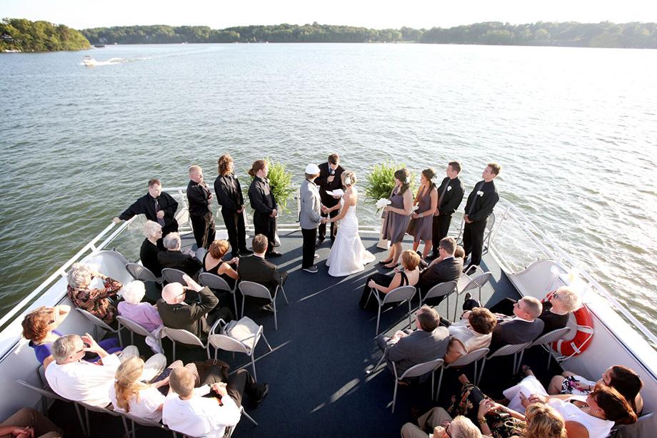 On the Water: Lakeside Weddings   Minnesota Bride