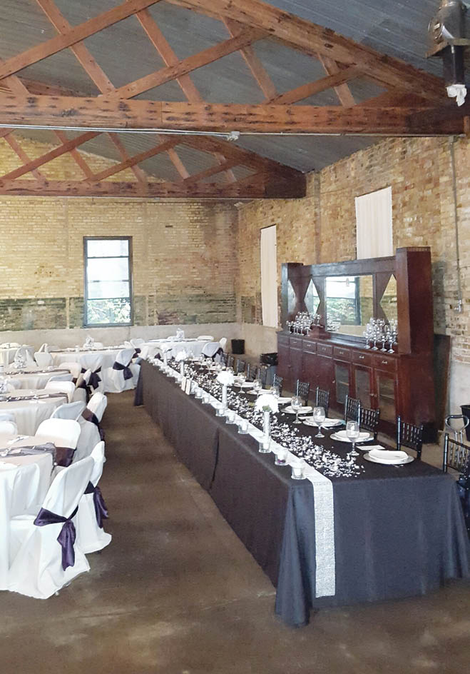 Vintage Appeal at the Sinclair Depot   Minnesota Bride