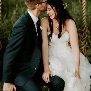 Couple Honors Their Fathers in Wedding at Creekside Farm | Minnesota Bride