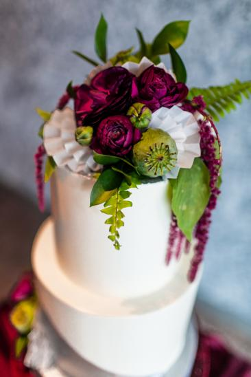 flowers as cake topper