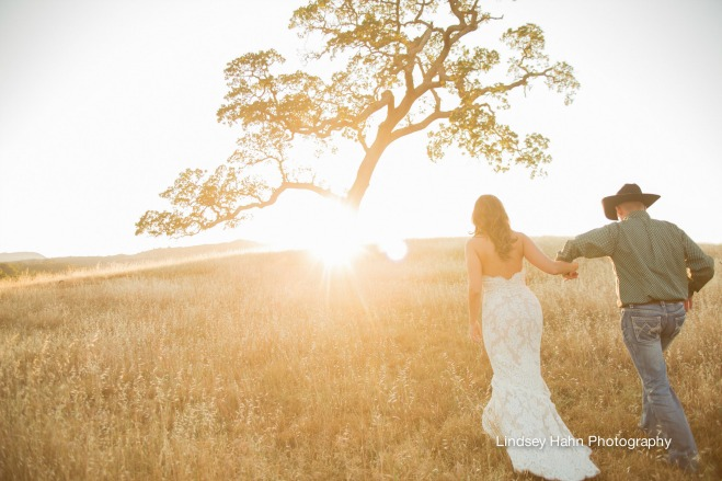 (REAL WEDDING, CALIFORNIA WEDDING, WEDDING INSPIRATION, WEDDINGS, LE FESTIN EVENTS, LINDSEY HAHN PHOTOGRAPHY, SANTA MARGARITA RANCH, RIBLINE CATERING, KRAMER EVENTS, RHONDA JOHNSON)