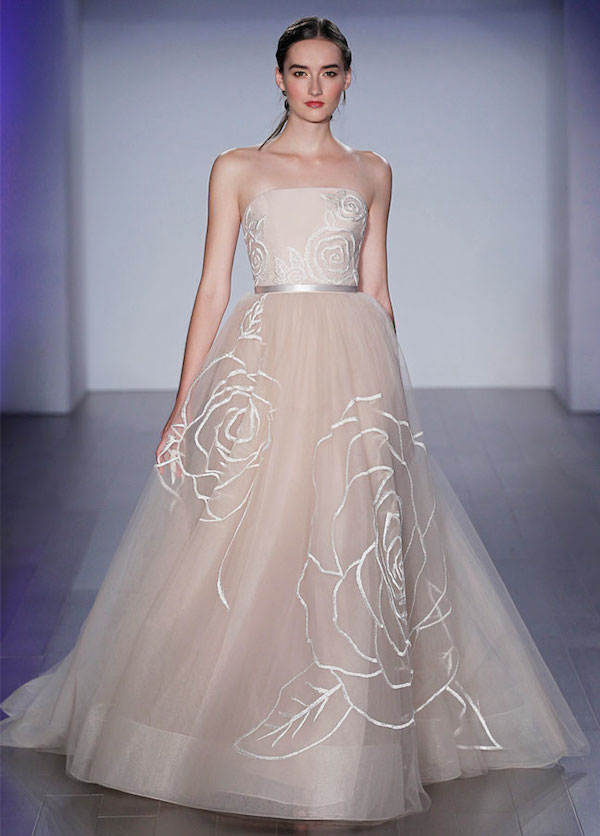 10 Unexpected Wedding Gowns for the Unconventional Bride ...