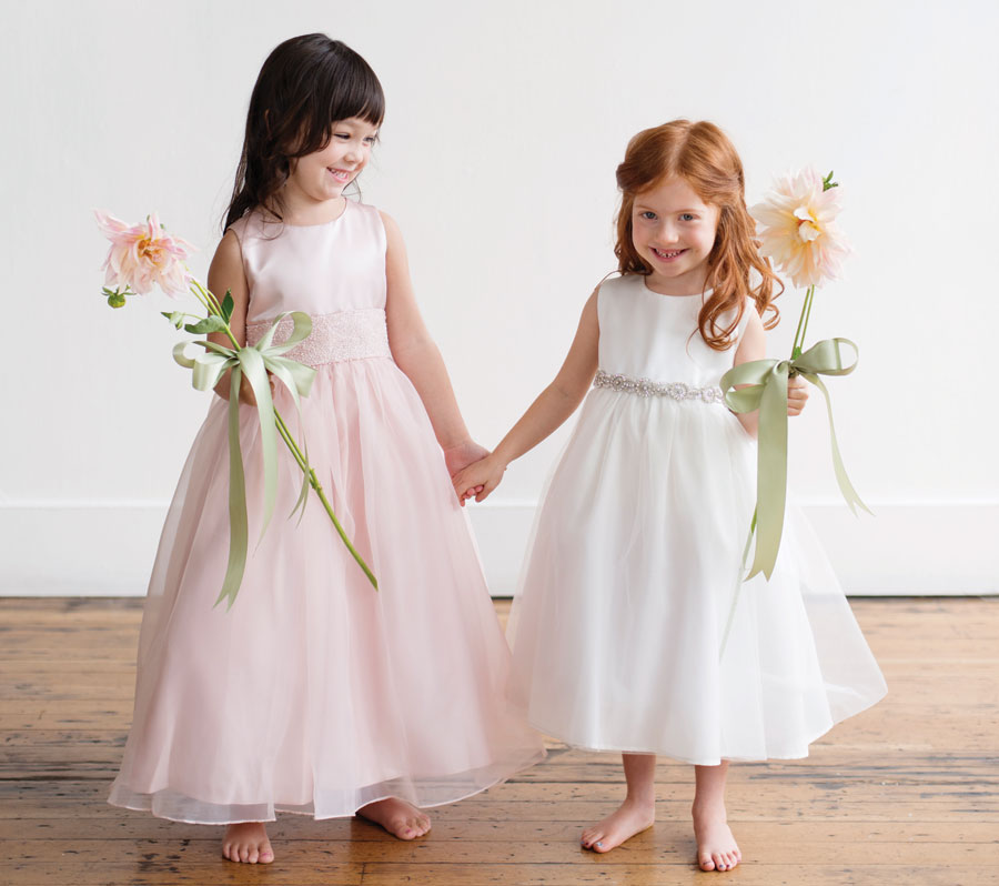 Flower girls | Oregon Bride magazine
