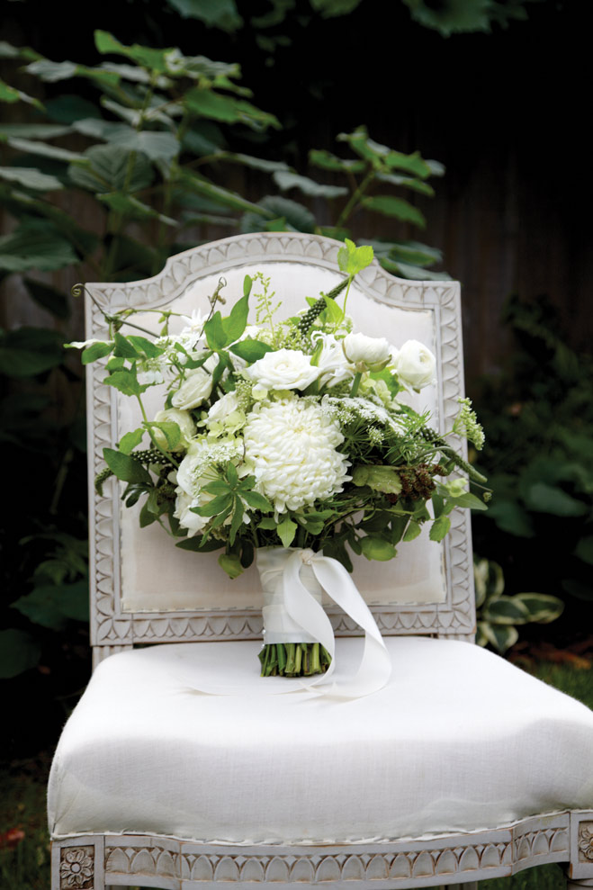 Beautiful wedding bouquets and centerpieces | Minnesota Bride magazine