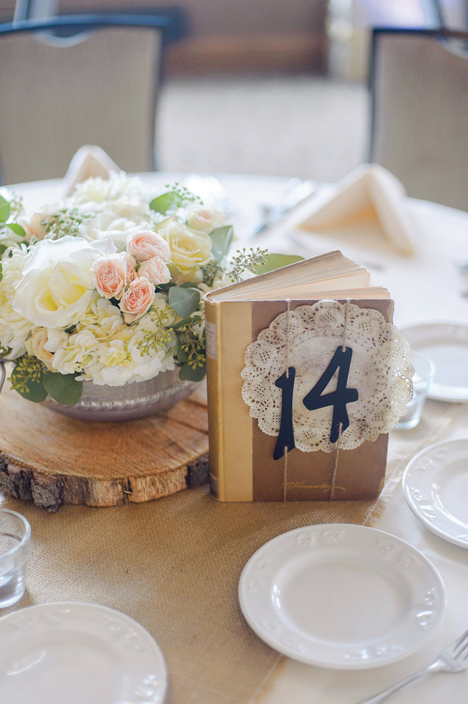 This Earthy Wisconsin Wedding Brought the Outdoors In