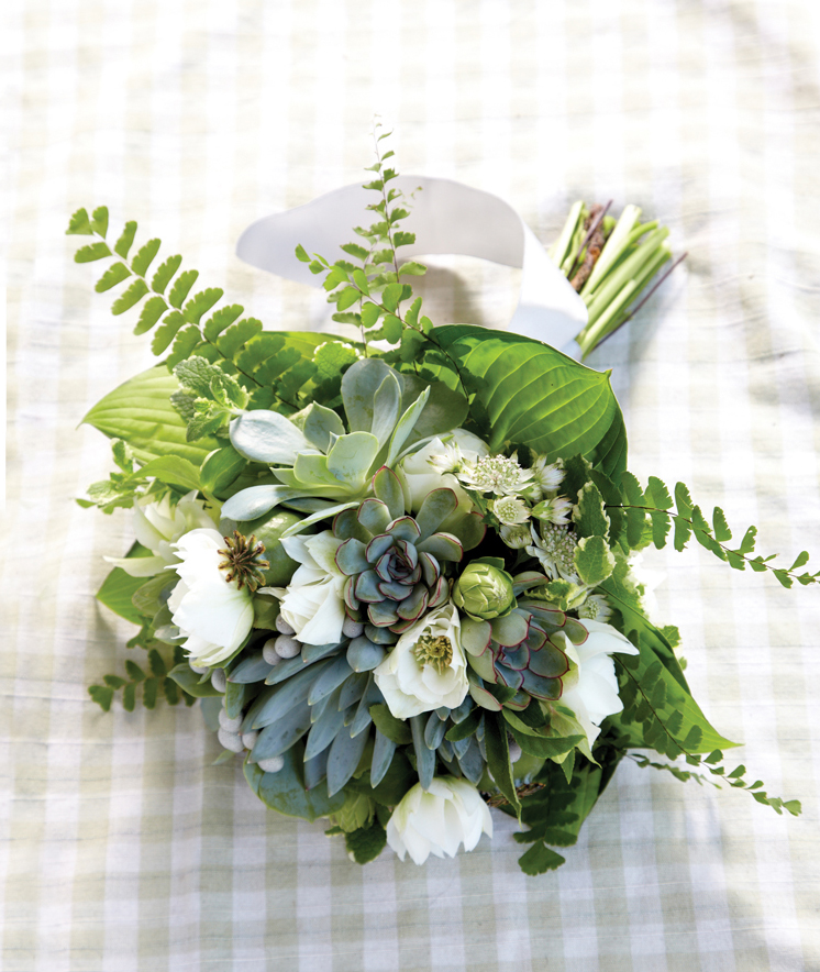 Wildflowers add texture and flair to contemporary bridal bouquets.