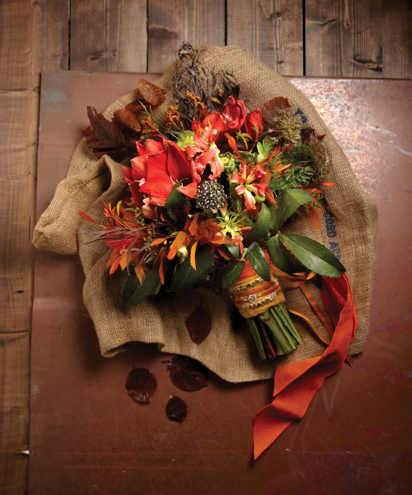 New Romantics: Rustic Wedding Bouquets and Centerpieces