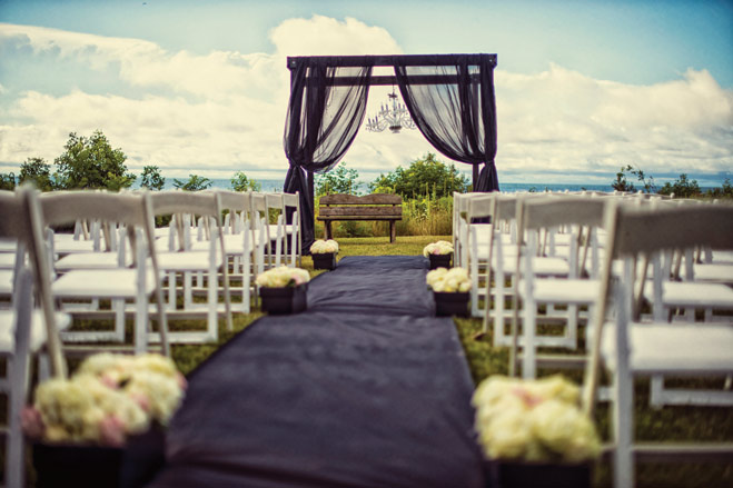 A Glamorous Wedding at Horseshoe Bay Golf Club
