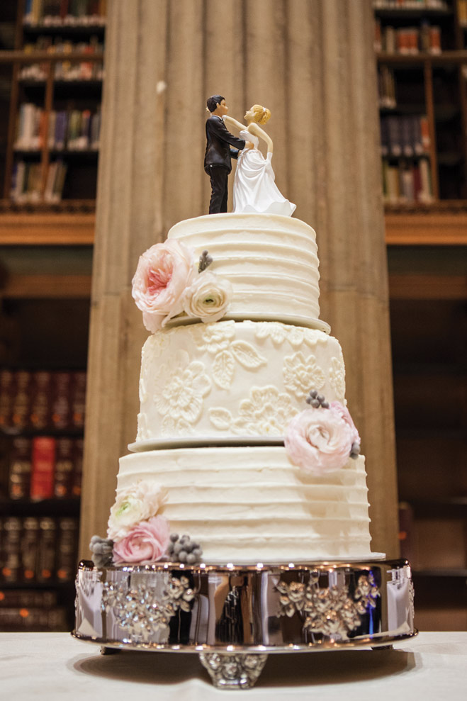 A Storybook James J. Hill Library Wedding