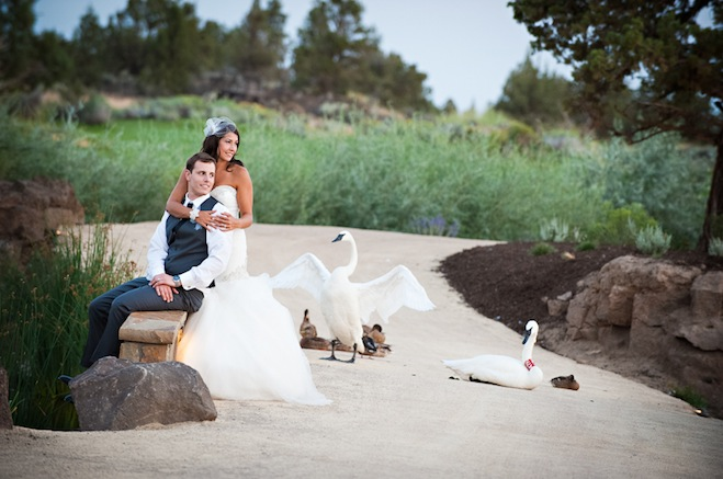 tuscan inspired central oregon wedding pronghorn resort byron roe photography