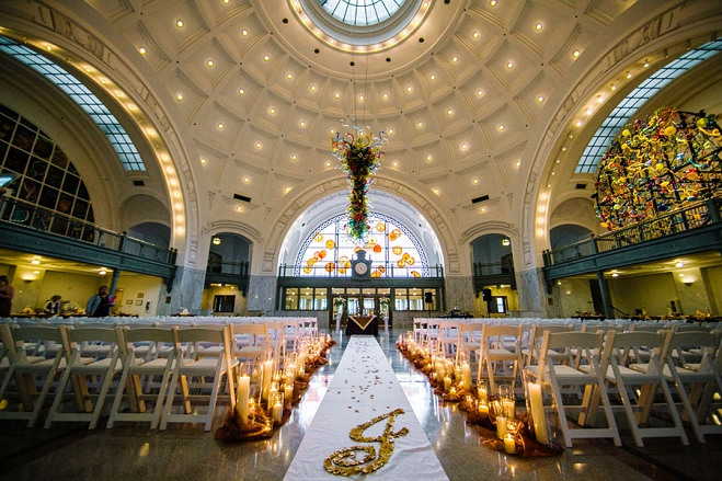 Vibrant Winter Wedding At Tacoma Union Station